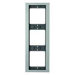 Рамка трехместная вертикальная K.5 металл алюминий 13337003